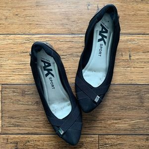 Black Ribbon Design Cushioned Flats